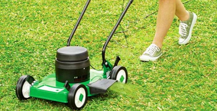 Roçando a grama